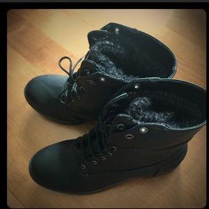 GH bass boots. Size 6.5